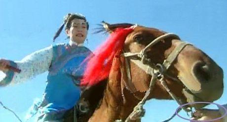 Nhung loi hai huoc trong phim Hoan Chau Cach Cach - Anh 5