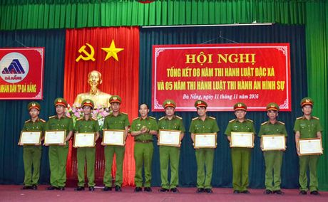 Nang cao nhan thuc cua can bo va nhan dan trong thi hanh Luat Dac xa va Thi hanh an hinh su - Anh 1