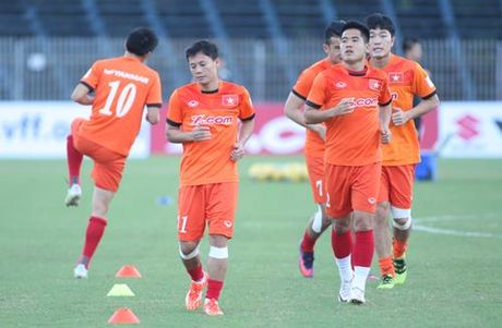 Tuyen Viet Nam 0-0 Avispa Fukuoka: Man trinh dien chap nhan duoc - Anh 12