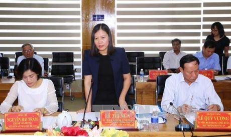 Ban Chi dao Trung uong ve phong, chong tham nhung lam viec voi Tinh uy Tien Giang - Anh 1