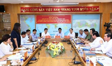 Ban Chi dao Trung uong ve phong, chong tham nhung lam viec voi Tinh uy Tien Giang - Anh 2
