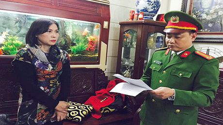 Bat giu giam doc cong ty hut cat trai phep tren song Hong - Anh 1