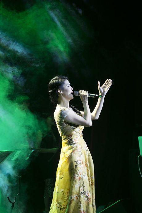 Thu Phuong khoc suot liveshow 'Mua thu cua Phuong' - Anh 6