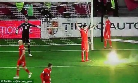 Vong loai World Cup: Sao Bayern hung phao sang, CDV au da dam mau - Anh 1