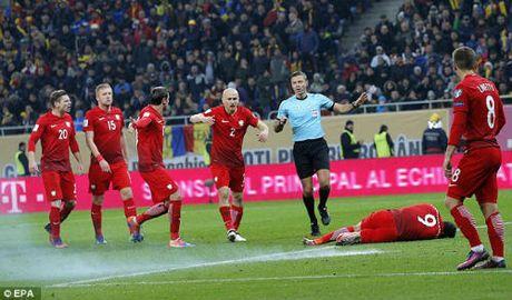 Vong loai World Cup: Sao Bayern hung phao sang, CDV au da dam mau - Anh 4