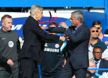 Arsenal khong ban Ozil, MU - Mourinho dung mo - Anh 2