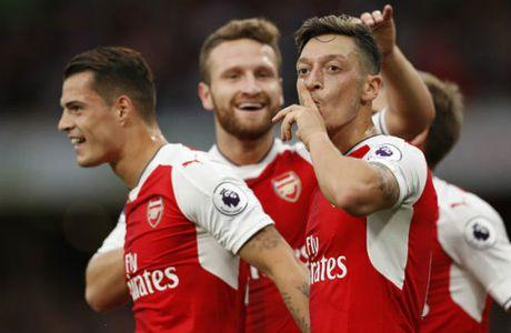 Arsenal khong ban Ozil, MU - Mourinho dung mo - Anh 3