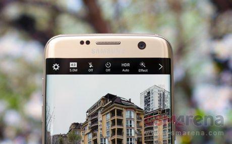Samsung se tang kich thuoc man hinh Galaxy S8 voi hai bien the - Anh 1