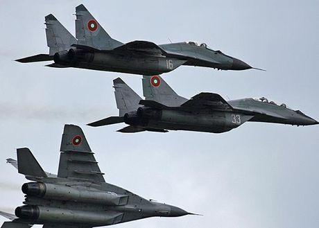 Bulgaria quay mat voi Ba Lan, mua dong co MiG-29 tu Nga - Anh 1