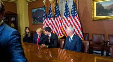 Ong Trump xem xet lai Obamacare sau loi keu goi cua ong Obama - Anh 1