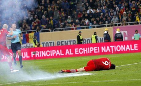 Clip: Lewandowski vat va dau don vi trung phao sang cua CDV qua khich - Anh 4