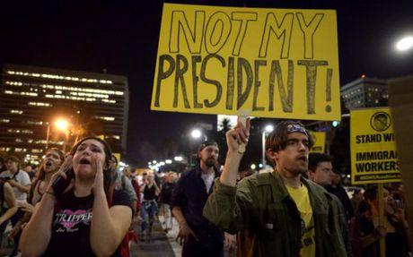 Calexit: Ong Trump dac cu, nguoi California muon bo phieu tach khoi My - Anh 1