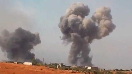 Khong quan Syria dap tan dot tan cong cua phien quan o Hama - Anh 1