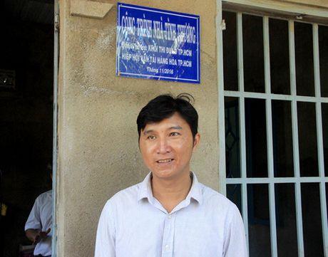 Ban ATGT TP.HCM tang nha tinh thuong cho nan nhan tai nan giao thong - Anh 6