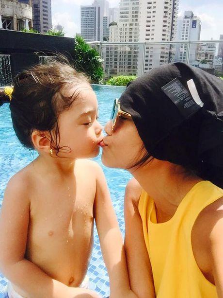 Con gai Doan Trang duyen dang khong kem me - Anh 2