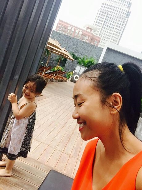 Con gai Doan Trang duyen dang khong kem me - Anh 5