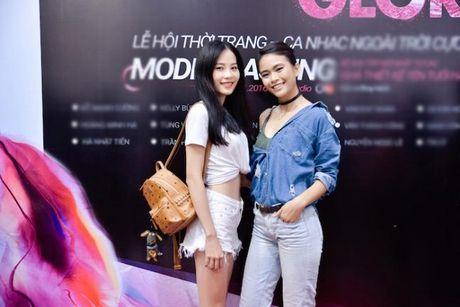 Chi gai sinh doi cua Nam Em khoe mat moc xinh dep, chan dai goi cam - Anh 3