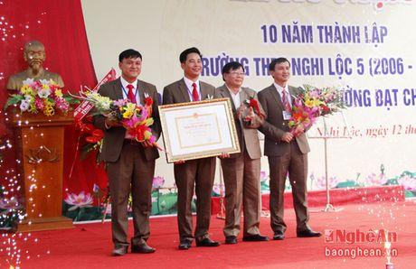 Truong THPT Nghi Loc 5 don bang cong nhan truong chuan quoc gia - Anh 3