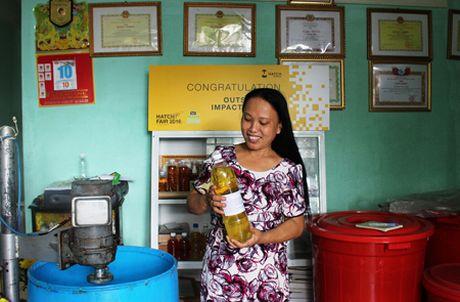 'Chi nong dan' khoi nghiep tu... rac thai - Anh 1