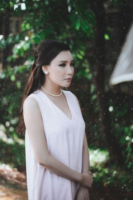 Ho Quynh Huong: 'Quyet khong chay theo thoi the va khan gia' - Anh 3