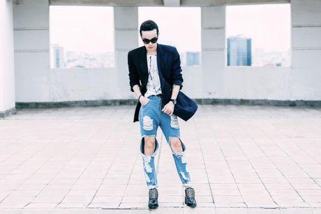 Jeans rach 've nhat' trong cuoc dua nhung mon do yeu thich cua stylist Viet - Anh 11