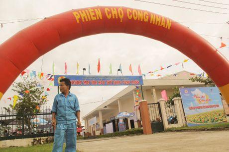 Cong nhan hao hung tham gia Phien cho cong nhan tai Da Nang - Anh 1