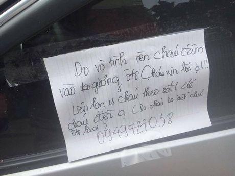 Nam sinh lam vo guong xe de lai so dien thoai xin loi - Anh 1
