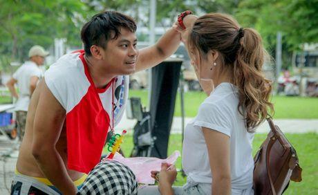 Phim dien anh dau tay cua Khuong Ngoc phat song truyen hinh - Anh 2