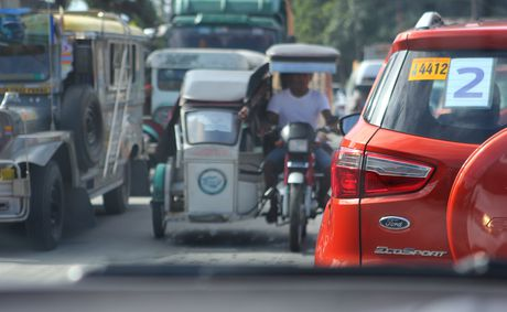 Trai nghiem lai loat SUV cua Ford o Philippines - Anh 8