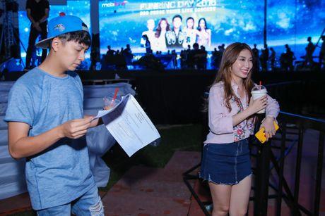 Khong Tu Quynh theo Ngo Kien Huy toi buoi tap live show Noo - Anh 3