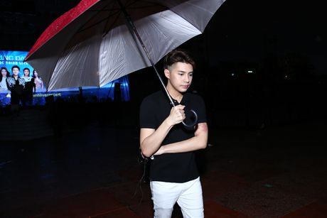 Khong Tu Quynh theo Ngo Kien Huy toi buoi tap live show Noo - Anh 9