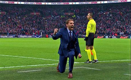 Anh dai thang Scotland bang hat-trick danh dau - Anh 3