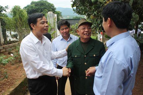 Bo truong Bo NN-PTNT Nguyen Xuan Cuong tham 'Vua buoi xu Muong' - Anh 4