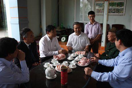 Bo truong Bo NN-PTNT Nguyen Xuan Cuong tham 'Vua buoi xu Muong' - Anh 5
