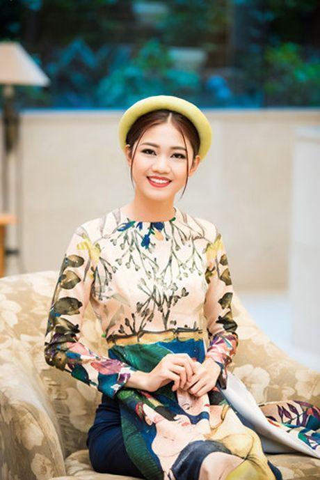 A hau Thanh Tu khoe ve dep co dien voi ao dai cach tan - Anh 4