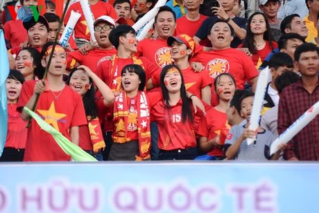 Toan canh tran hoa dang tiec cua DT Viet Nam voi Avispa Fukuoka - Anh 3