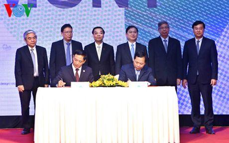 Hang tram doanh nghiep tham gia Ngay hoi Khoi nghiep doi moi sang tao - Anh 3