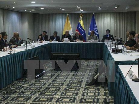 Chinh quyen Venezuela va phe doi lap soan lo trinh vuot khung hoang - Anh 1