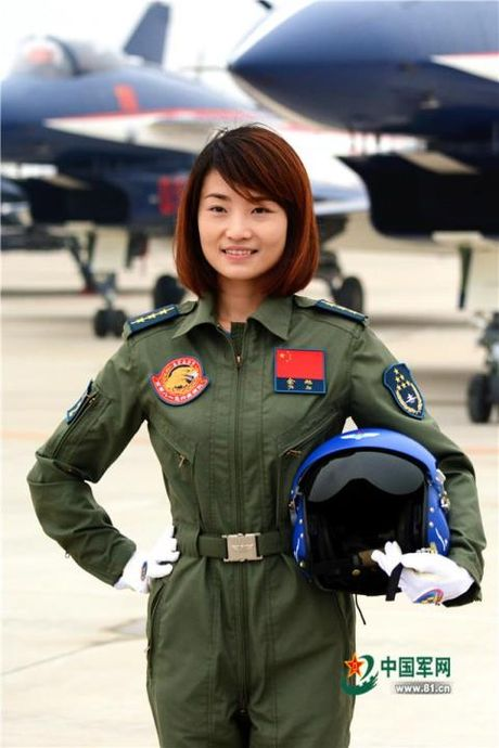 Trung Quoc thua nhan nu phi cong J-10 tu nan - Anh 1