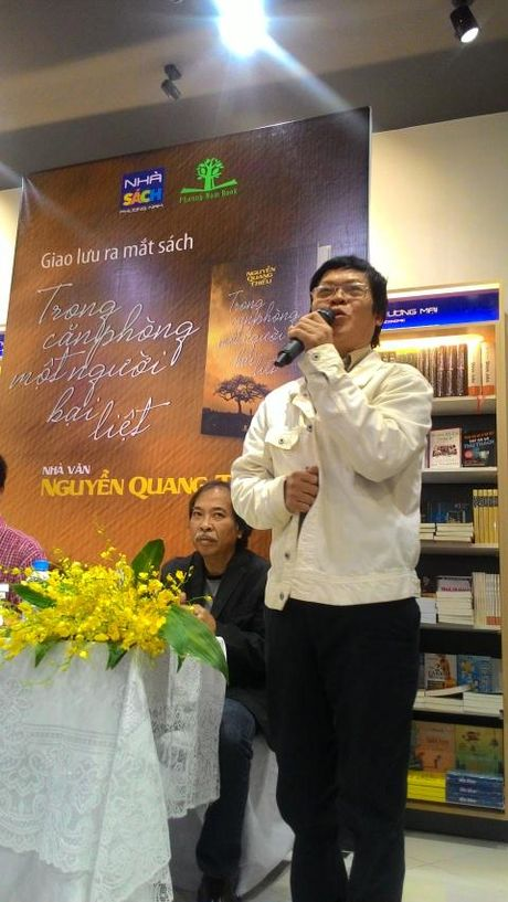 Nha tho Nguyen Quang Thieu ra mat sach moi - Anh 4