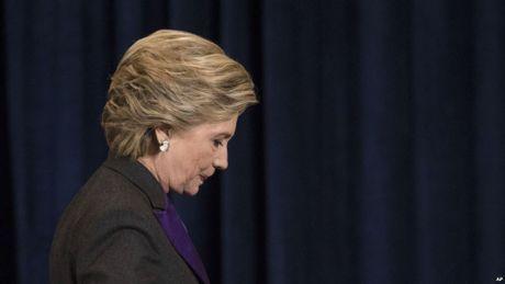 Ban tay ong trum FBI khien ba Hillary Clinton sup do? - Anh 1