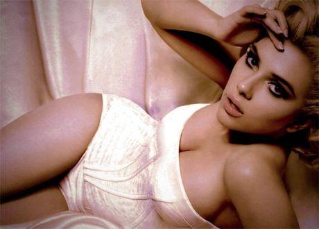 Me man truoc ve goi tinh cua Scarlett Johansson - Anh 6