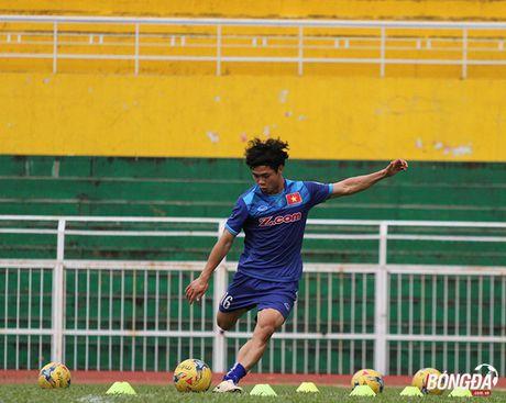 Cong Phuong luyen bai tu truoc khi len duong tham du AFF Cup 2016 - Anh 2