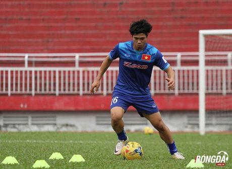 Cong Phuong luyen bai tu truoc khi len duong tham du AFF Cup 2016 - Anh 3