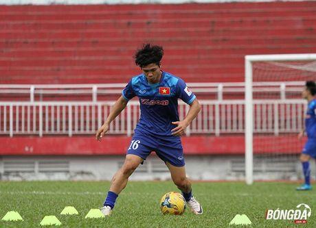 Cong Phuong luyen bai tu truoc khi len duong tham du AFF Cup 2016 - Anh 4