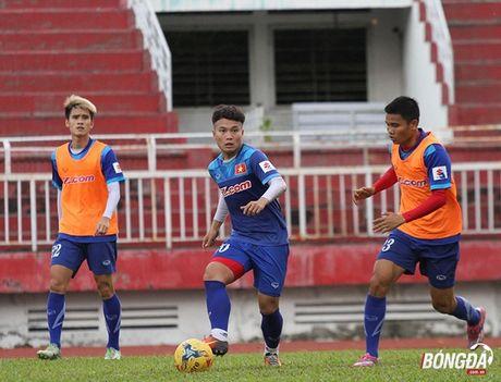 Cong Phuong luyen bai tu truoc khi len duong tham du AFF Cup 2016 - Anh 5