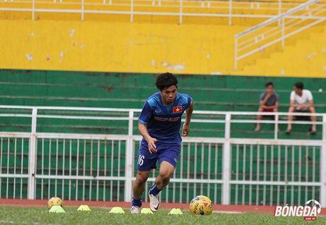Cong Phuong luyen bai tu truoc khi len duong tham du AFF Cup 2016 - Anh 6