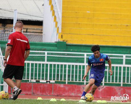 Cong Phuong luyen bai tu truoc khi len duong tham du AFF Cup 2016 - Anh 9