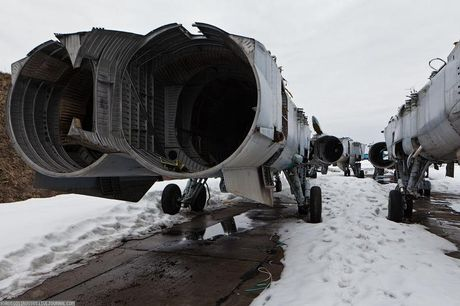 Tiec ngan ngo dan tiem kich MiG-31 bi vut bo - Anh 4