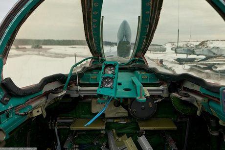 Tiec ngan ngo dan tiem kich MiG-31 bi vut bo - Anh 7